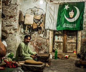'Pakistan is very colorful, and it's about time people see it' – Interview with Photographer Manolo Ty by HU student Saima Jawed
