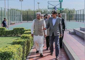 Federal Minister for Education Shafqat Mahmood Visits Habib University